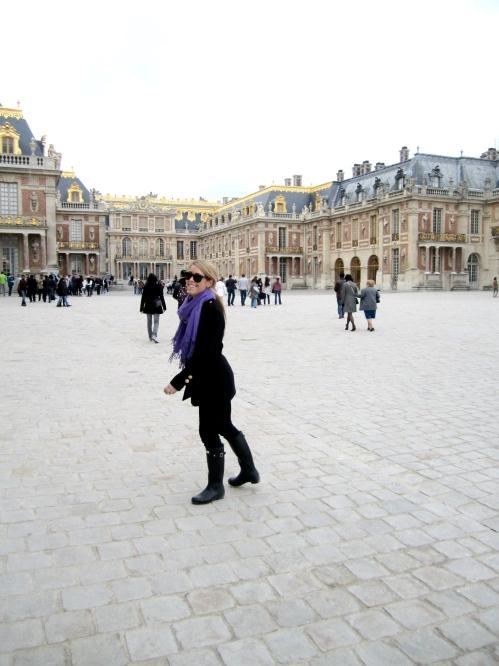 Giggles in Paris