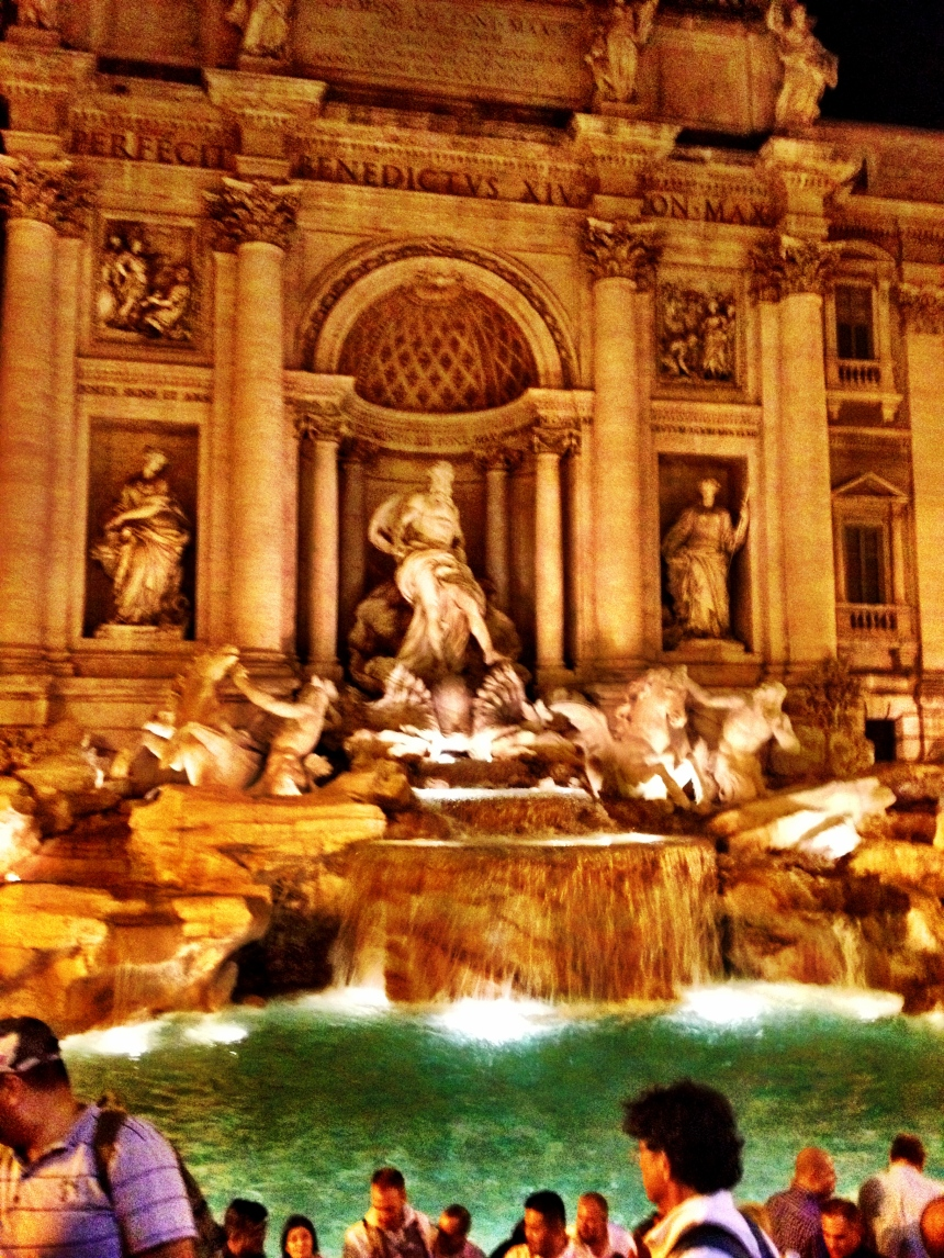 Trevi. Too bad Paolo wasn't there. This is not what dreams are made of.