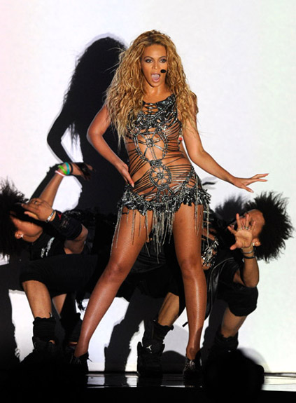 Beyonce-les-twins-Bill-2011